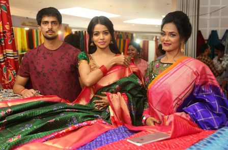 Actress Bhavya Sri Inaugurates Silk India Expo @ Shilpakala ved