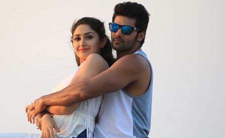 GHAJINIKANTH - Cast, Character Names and Crew details