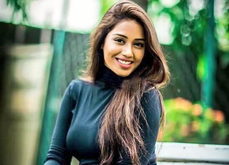 Actress Nivedha Pethuraj Birthday