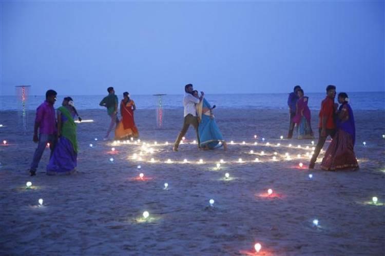 'En Kadhali Scene Podra' Movie Stills