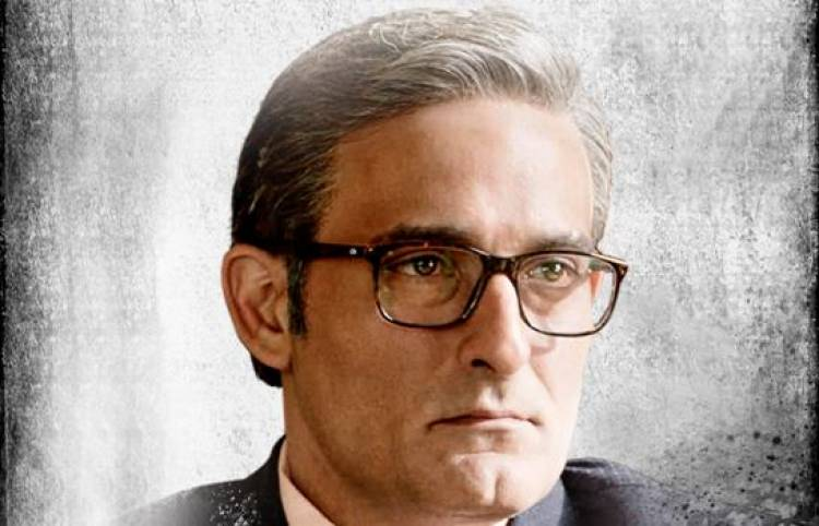 'The Accidental Prime Minister' Third Poster feat Akshaye Khanna OUT Now!
