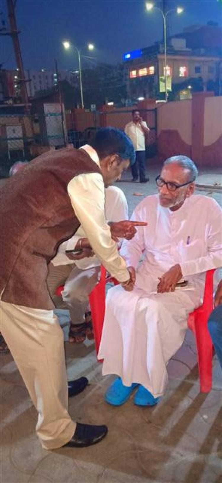 இயக்குநர் ஈ ராமதாஸ் மகன் திருமணம்........பிரபலங்கள் நேரில் வாழ்த்து