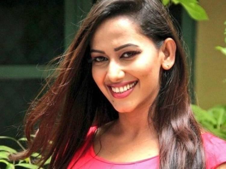 Actress Sanjana Singh Birthday