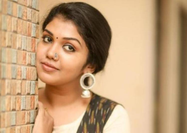 Pretty Actress Riythvika latest stills