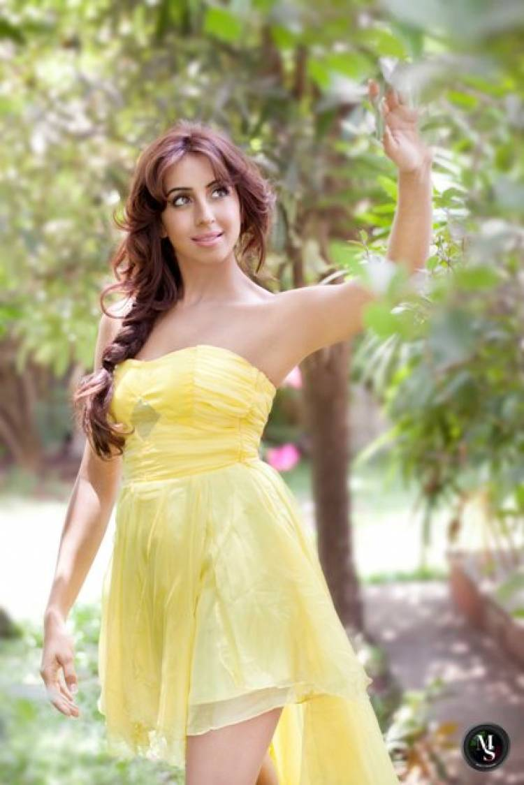Actress Sanjjanaa Galrani Photoshoot Stills