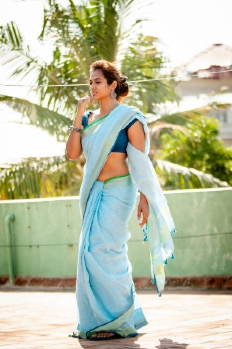 Actress Ramya Pandian Latest Pictures