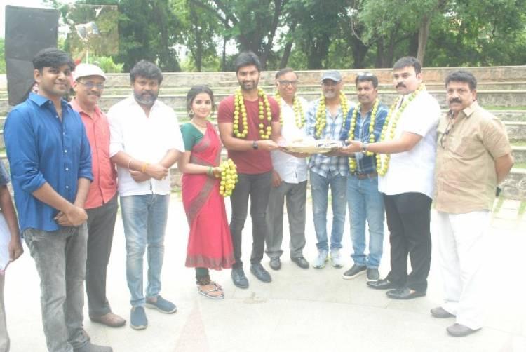 Atharvaa's Next Movie Pooja Stills