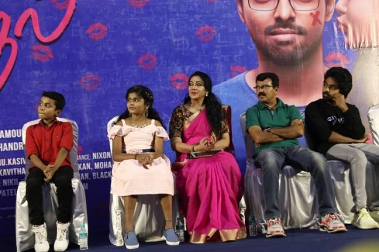 100% Kaadhal Press Meet Stills