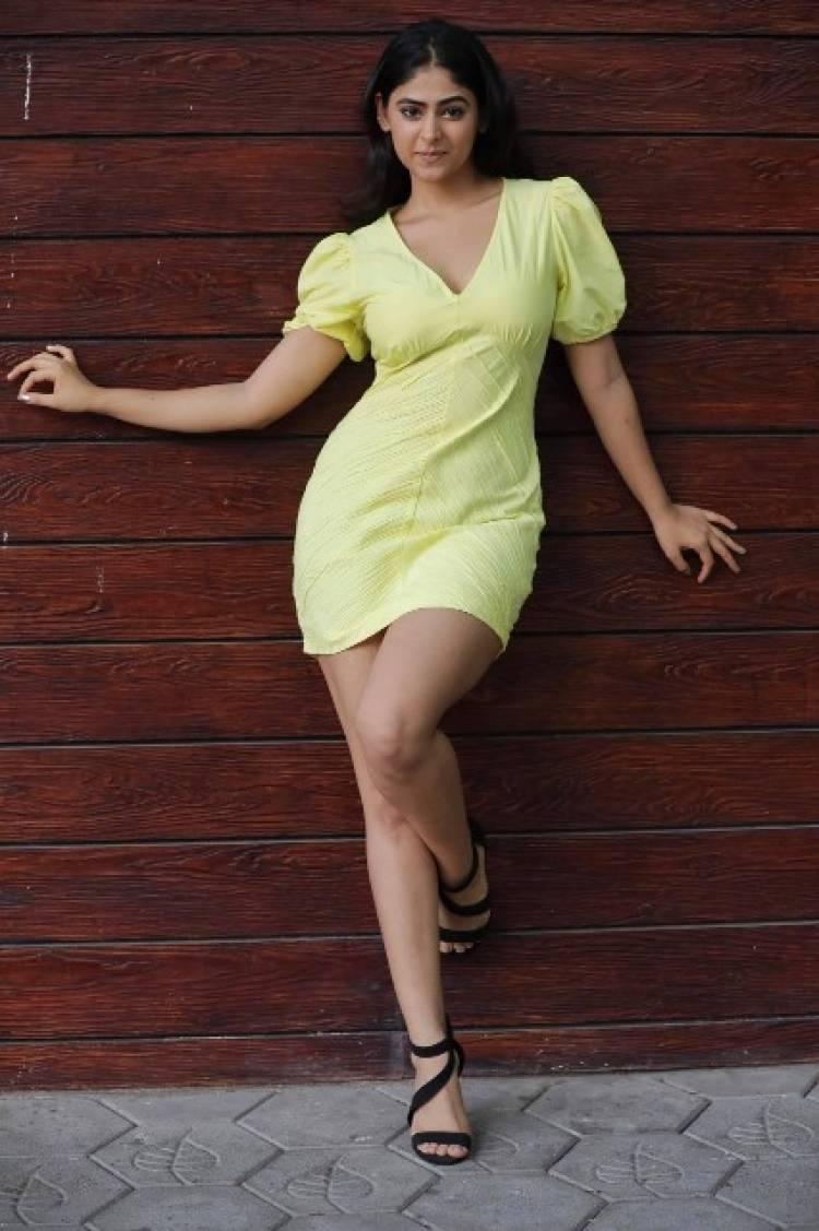 Actress PallokLalwani Latest Stills