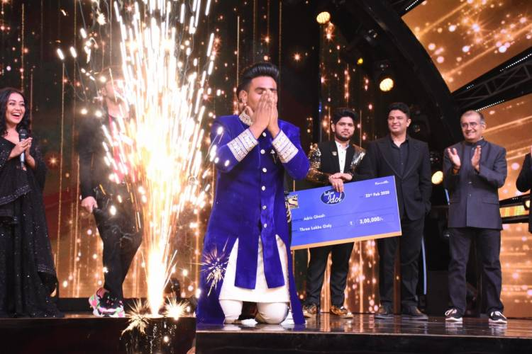 Bhushan Kumar presents Indian Idol 11 winner Sunny Hindustani with an opportunity to sing in T-series' upcoming feature film!