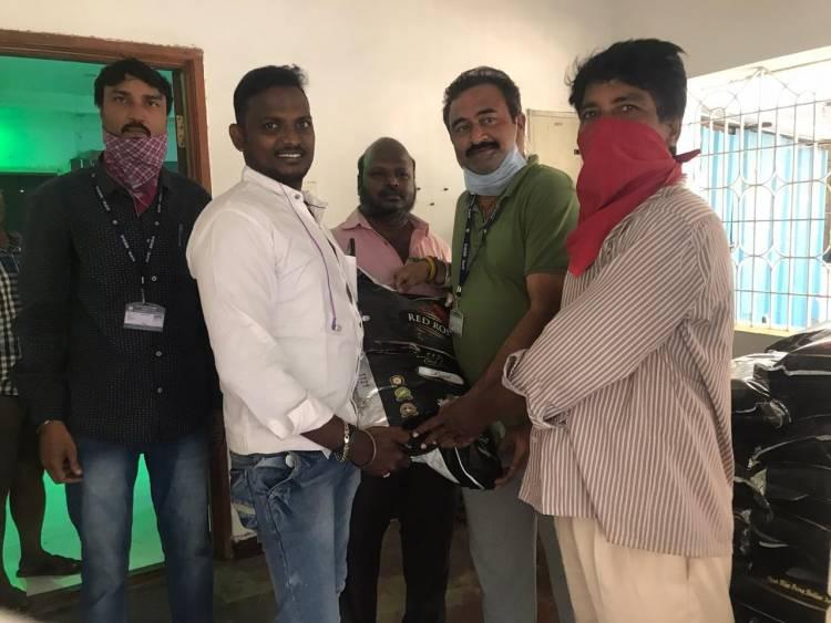 நமது சினிமா பத்திரிகையாளர் சங்க உறுப்பினர்கள் 1250Kg பாசுமதி அரிசியை வாரி வழங்கினார்