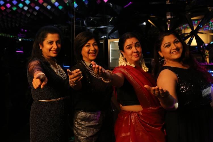 ஓ அந்த நாட்கள்' மும்மொழி திரைப்படத்தில், 1980'களின் நட்சத்திர நாயகிகள் ராதிகா, குஷ்பு, ஊர்வசி, சுகாசினி!!