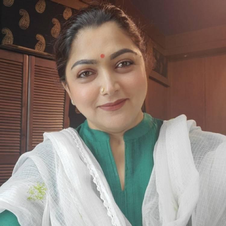 நடிகை குஷ்பு அவர் அழகின் ரகசியத்தை வெளியிட்டார்
