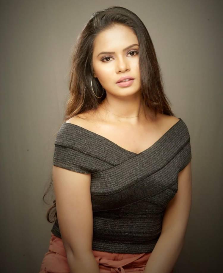 Fashion Star SanRiyah plays an impressive part in Pollathaulagilbayangaragame