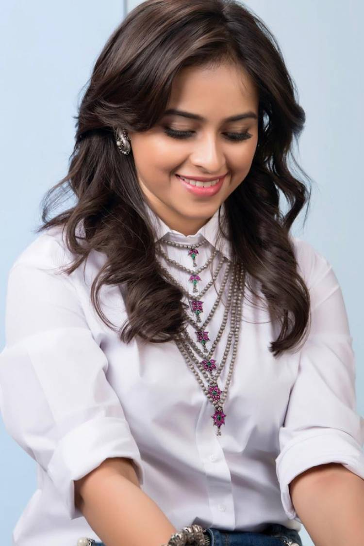 Recent pictures of the stunning SriDivya