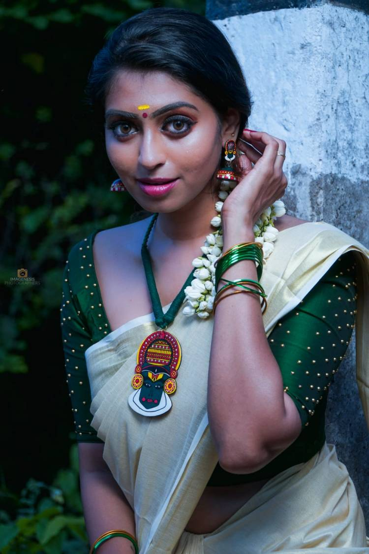 Gorgeous Actress Kuhasini Onam photoshoot