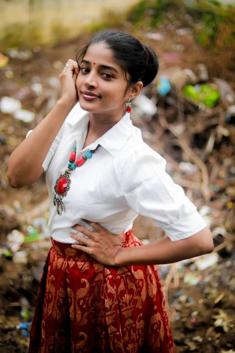 Actor seeks permission to fall on Sheela Rajkumar's feet