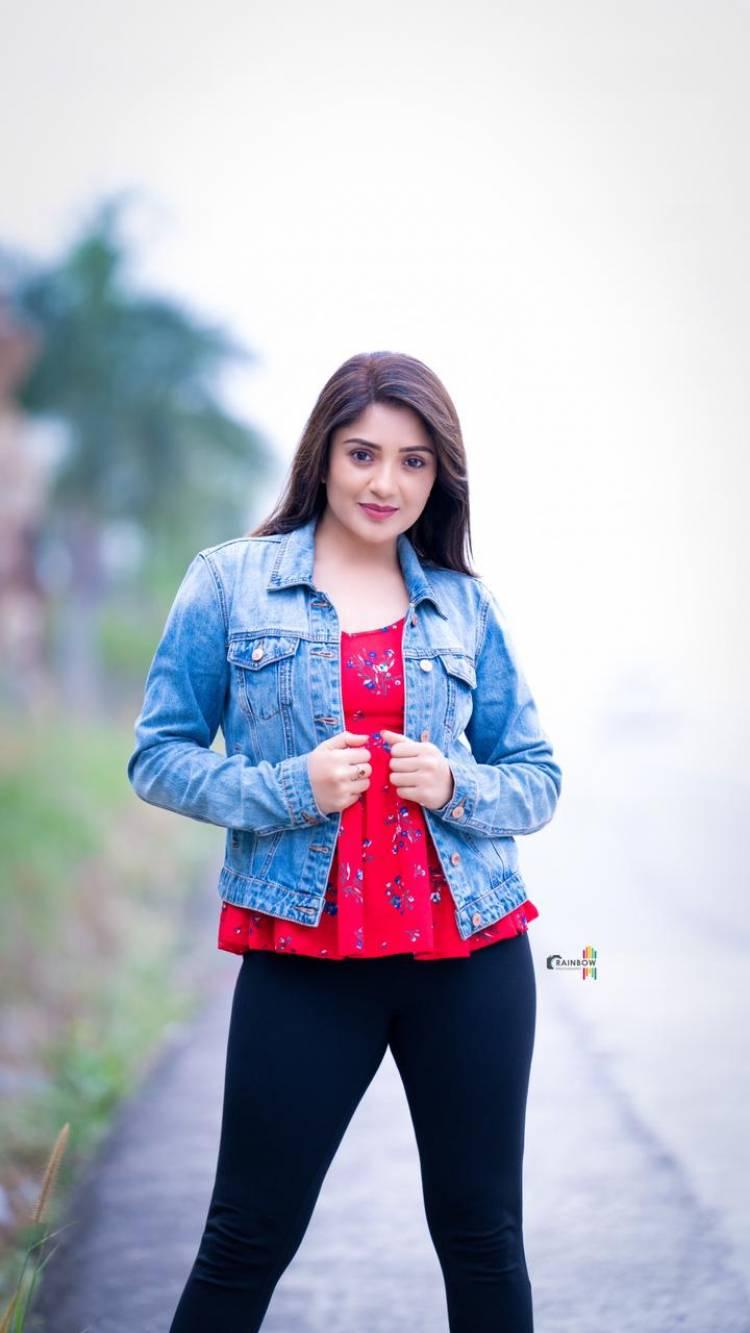 Actress Karunya New photo shoot pics  @Karunya_oficial