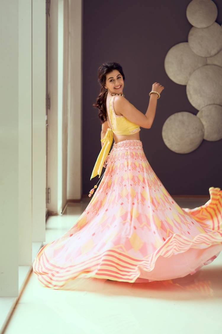Actress #Nikkigalrani Dazzling Stills!! @nikkigalrani