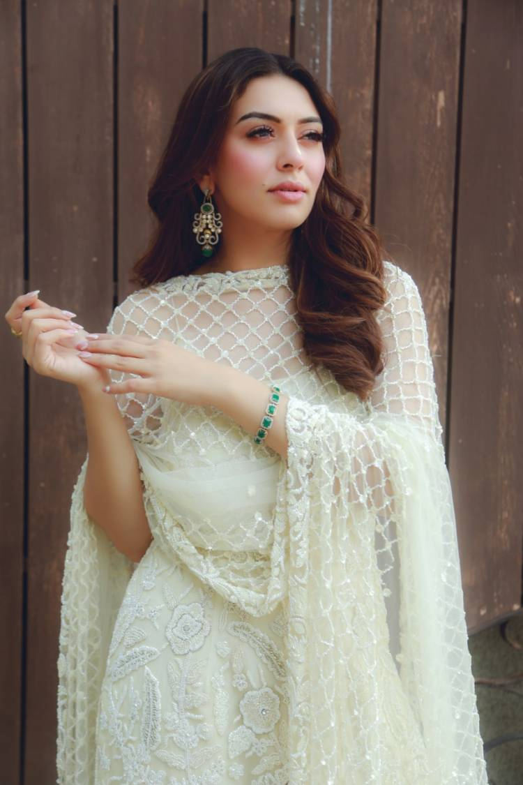 Hansika Motwani's second Hindi album 'Mazaa' is an overnight Chartbuster
