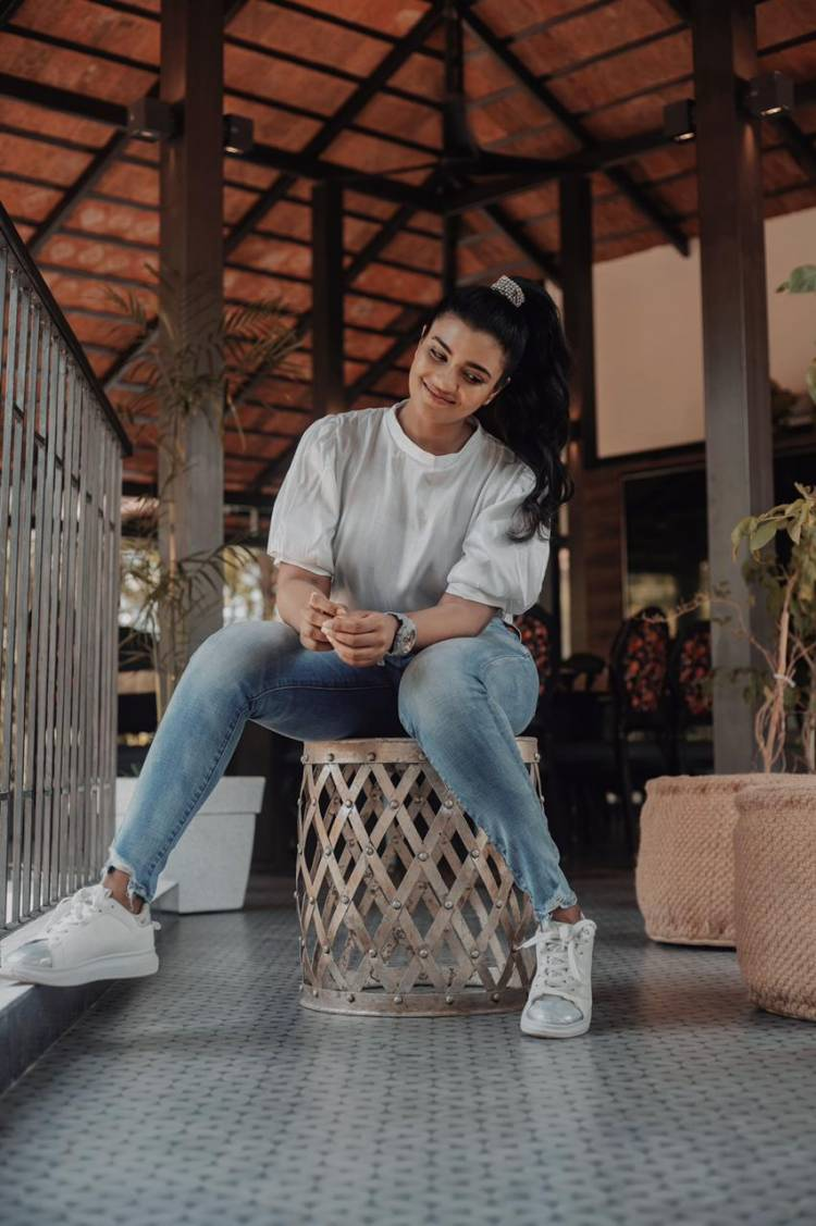 These cute pictures of @aishu_dil in a modern outfit are sure to charm one and all