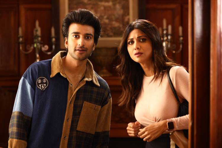 Shilpa Shetty Kundra shares her take on the generation gap with her Hungama 2 co-star Meezaan