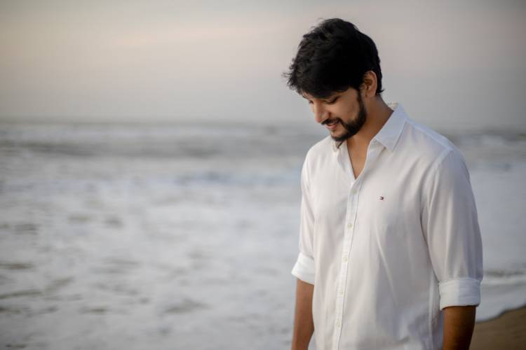 @Gautham_Karthik is all set for the weekend mood.