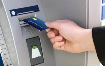 Man helps boy use ATM, steals Money
