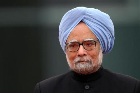 Manmohan Singh donates 3,500 books to Panjab University