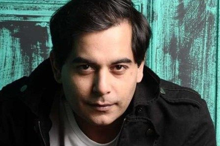Popular Actor Gaurav Gera tests your quizzing skills on QuizBiz