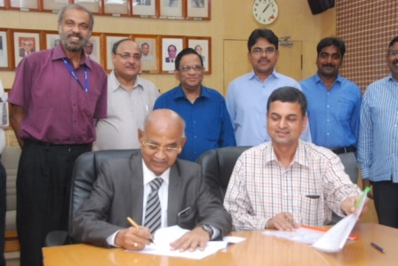 SRM AP sign MOU with Indian Railways
