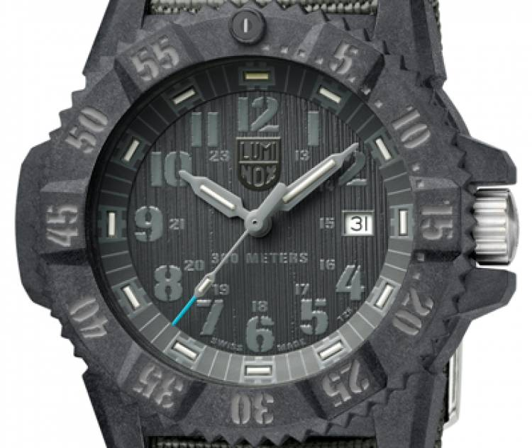 Luminox Introduces Master Carbon SEAL 3802