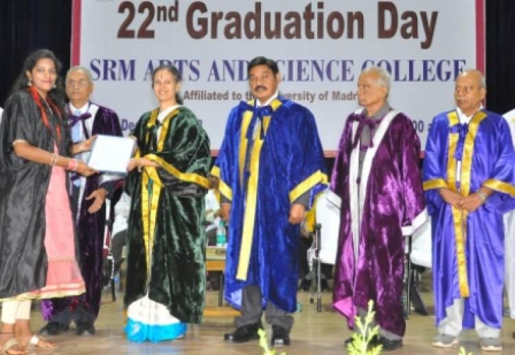 எஸ்.ஆர்.எம் கலை மற்றும் அறிவியல் கல்லூரி 22 ஆவது பட்டமளிப்பு விழா