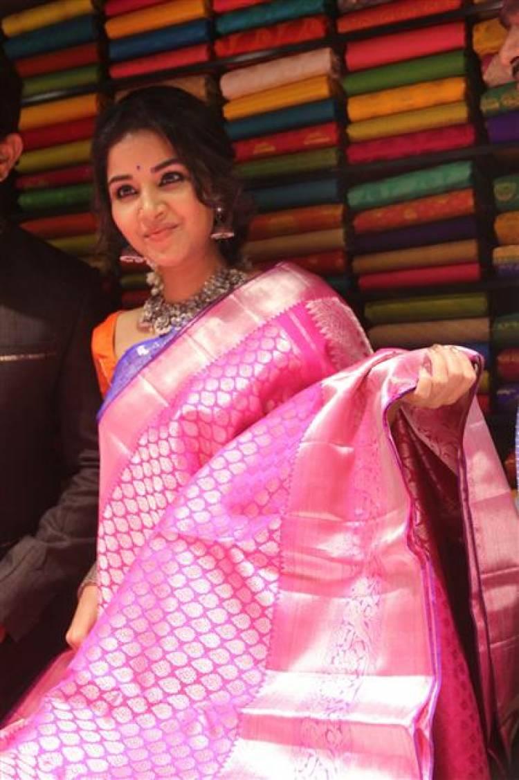 Actress Anupama Parameswaran Inaugurates Subhamasthu Shopping Mall at Vijayawada