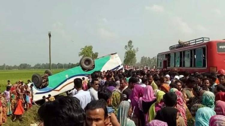 8 killed as bus falls into ditch in Bangladesh