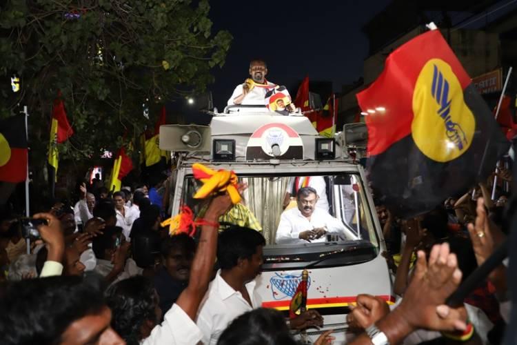 Captain Vijayakanth campaigning for Dr. Sam Paul at Villivakkam