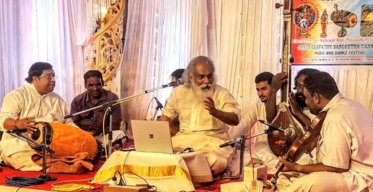 சிதம்பரம் நடராஜர் கோவிலுக்கு வருகை தந்த பிரபல பாடகர் ஜேசுதாஸ்