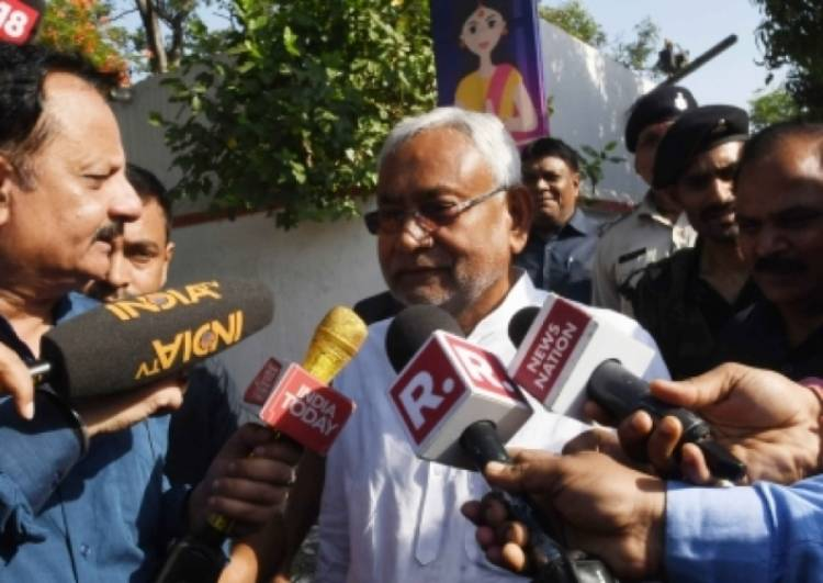 Nitish visits AES hit Muzaffarpur, toll rises to 107