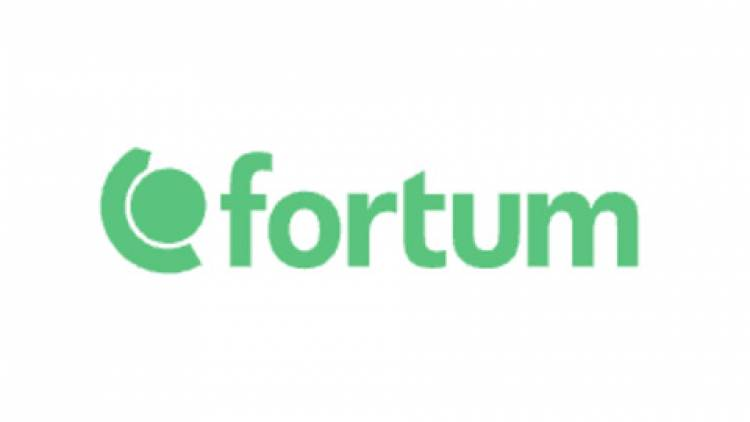 FORTUM SIGNS ITS FIRST COMMERCIAL DEAL WITH HINDALCO INDUSTRIES LIMITED