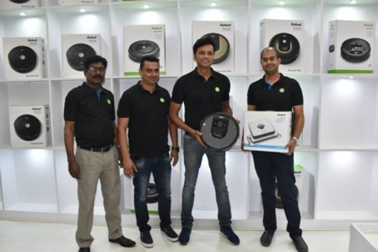 Puresight Systems showcases the iRobot range in their Chennai store