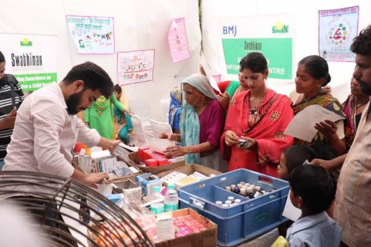 BMJ India organized a health camp in association with Smile Foundation