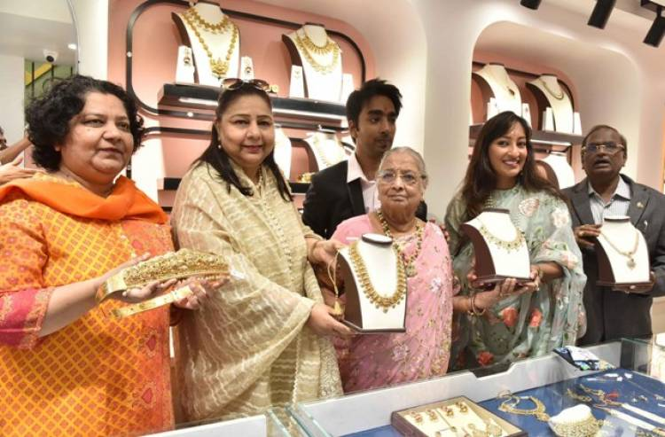 Sri Jagdamba Pearls opens on Dr AS Rao Nagar high street