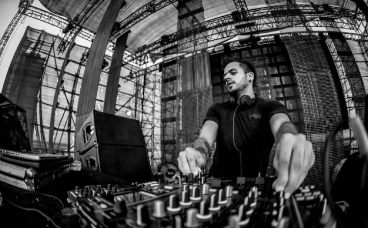 DJ Kohra @ Blend, Taj Club House