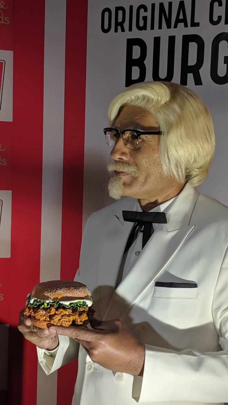MADAME TUSSAUDS DELHI UNVEILS THE KFC'S ZINGER AKA 'THE ORGINAL CELEBRITY BURGER'
