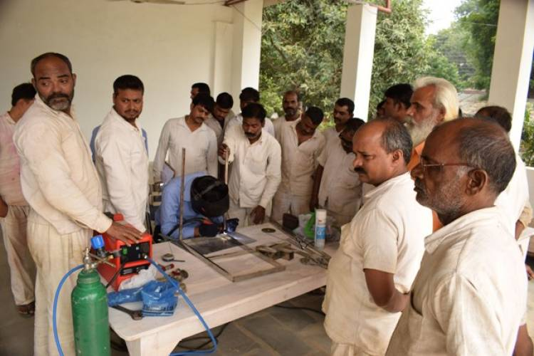 Stainless steel fabrication training program held for Varanasi Central Jail inmates