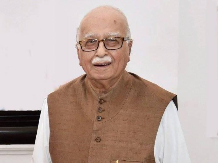 பா.ஜ.க, சீனியர் தலைவர் எல்.கே.அத்வானி இன்று தனது 93 பிறந்தநாளை கொண்டாடுறார்.