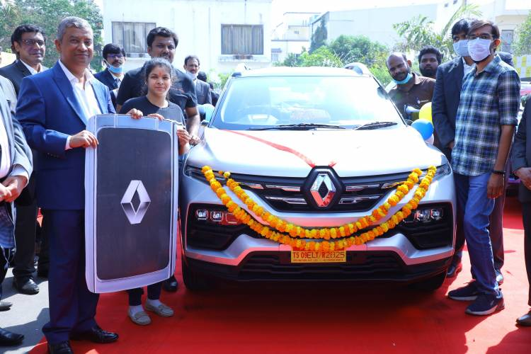 RENAULT KIGER MAKES A BOLD FORAY WITH MORE THAN 1100 PAN INDIA DELIVERIES ON THE FIRST DAY OF ITS  START OF SALES